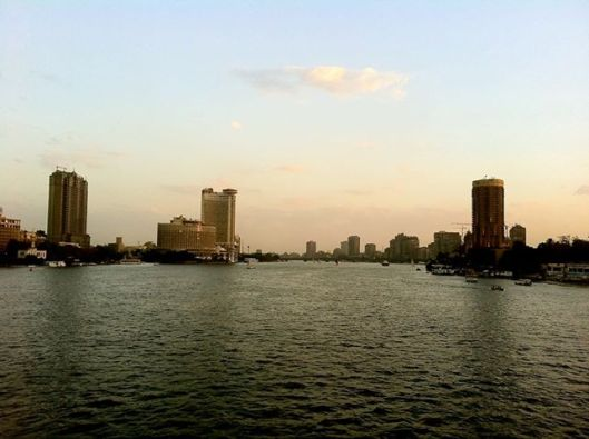 Good Evening Cairo, it's almost curfew time.